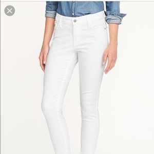 Old navy mid rise rockstar white jeans